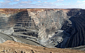 Mining open pit geotechnical slope stability